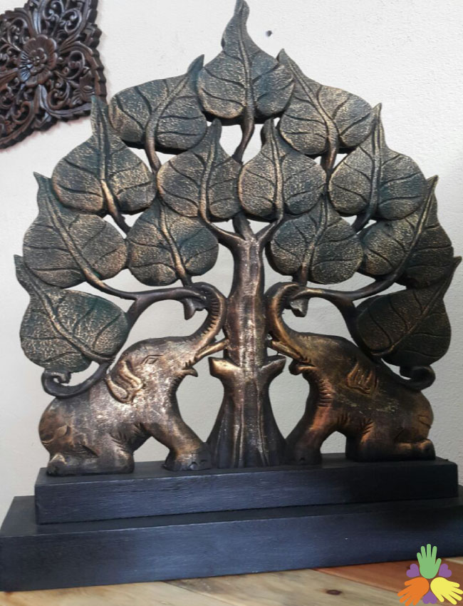 Elephants under Tree/Bai Pho